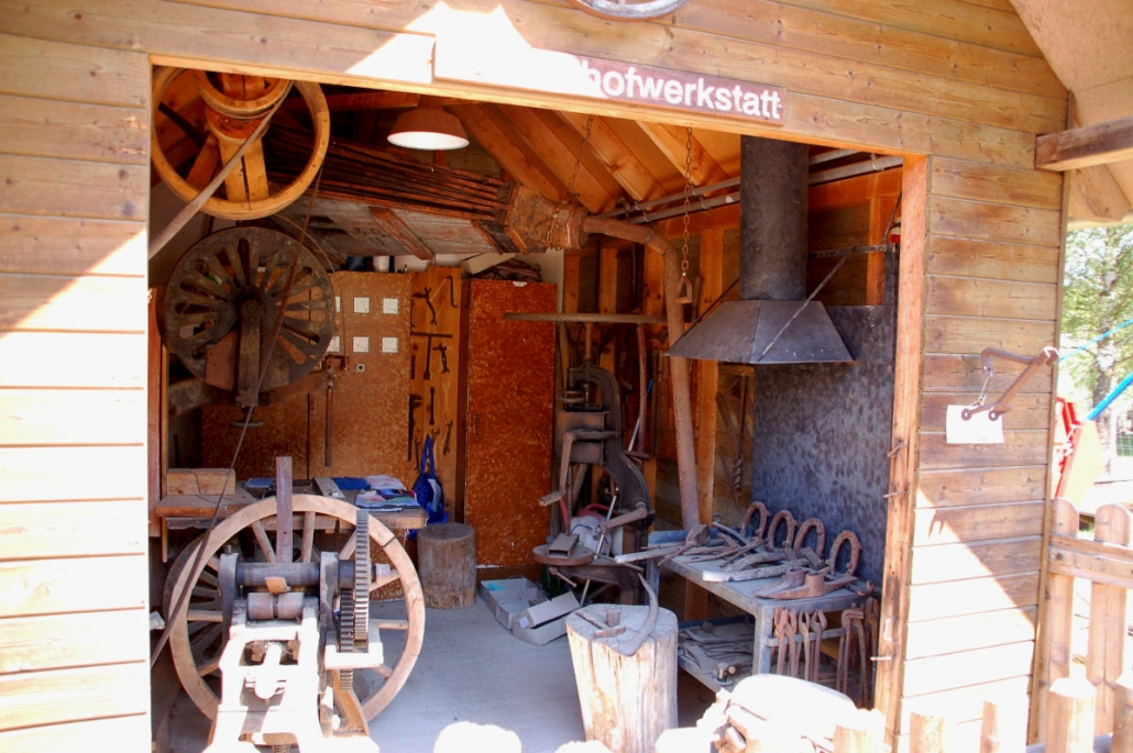 Lochmühle Farm workshop