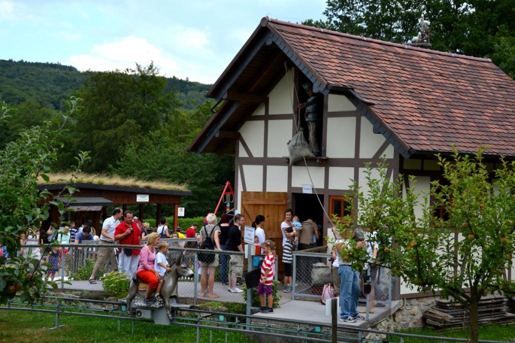 Lochmühle Eselreitbahn